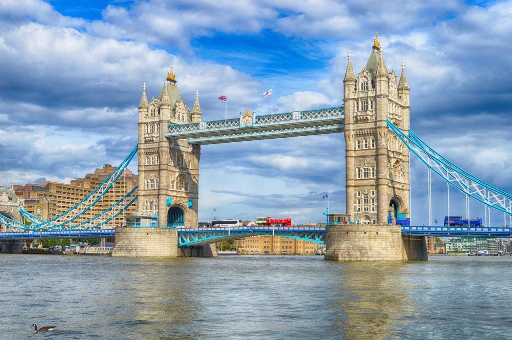 Thames River Cruise Tour