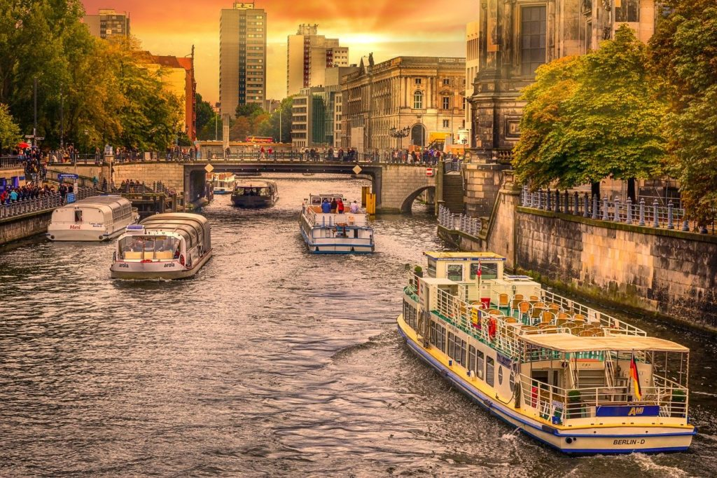Berlin Spree and Landwehr Canal Boat Tour